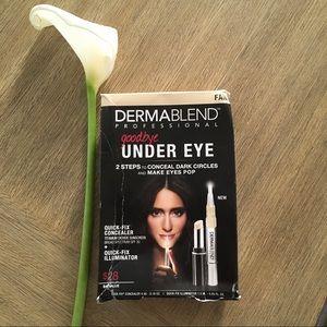 <SALE! NEW Dermablend Under Eye Concealer Kit